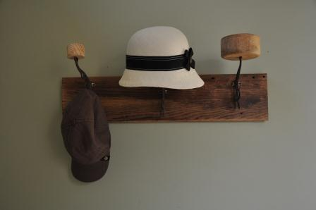 Hat rack with hat