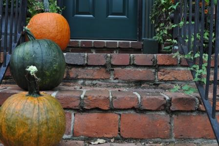 Pumpkins on step small