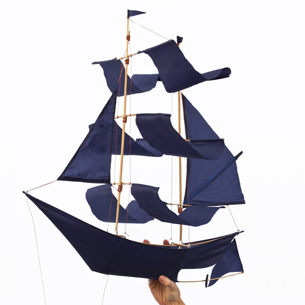 Hapticlab-sailing-ship-kite-indigo