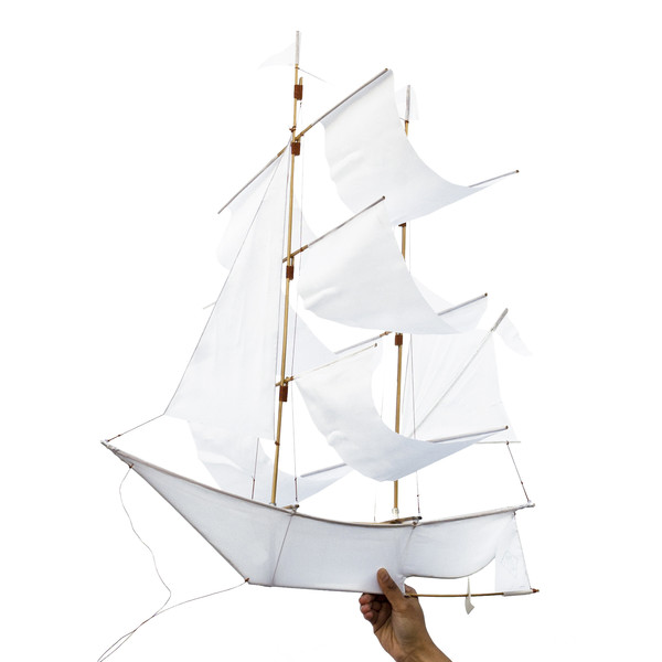 Hapticlab-sailing-ship-kite-white_grande