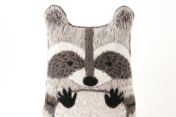 Raccoon_embroidery_kit